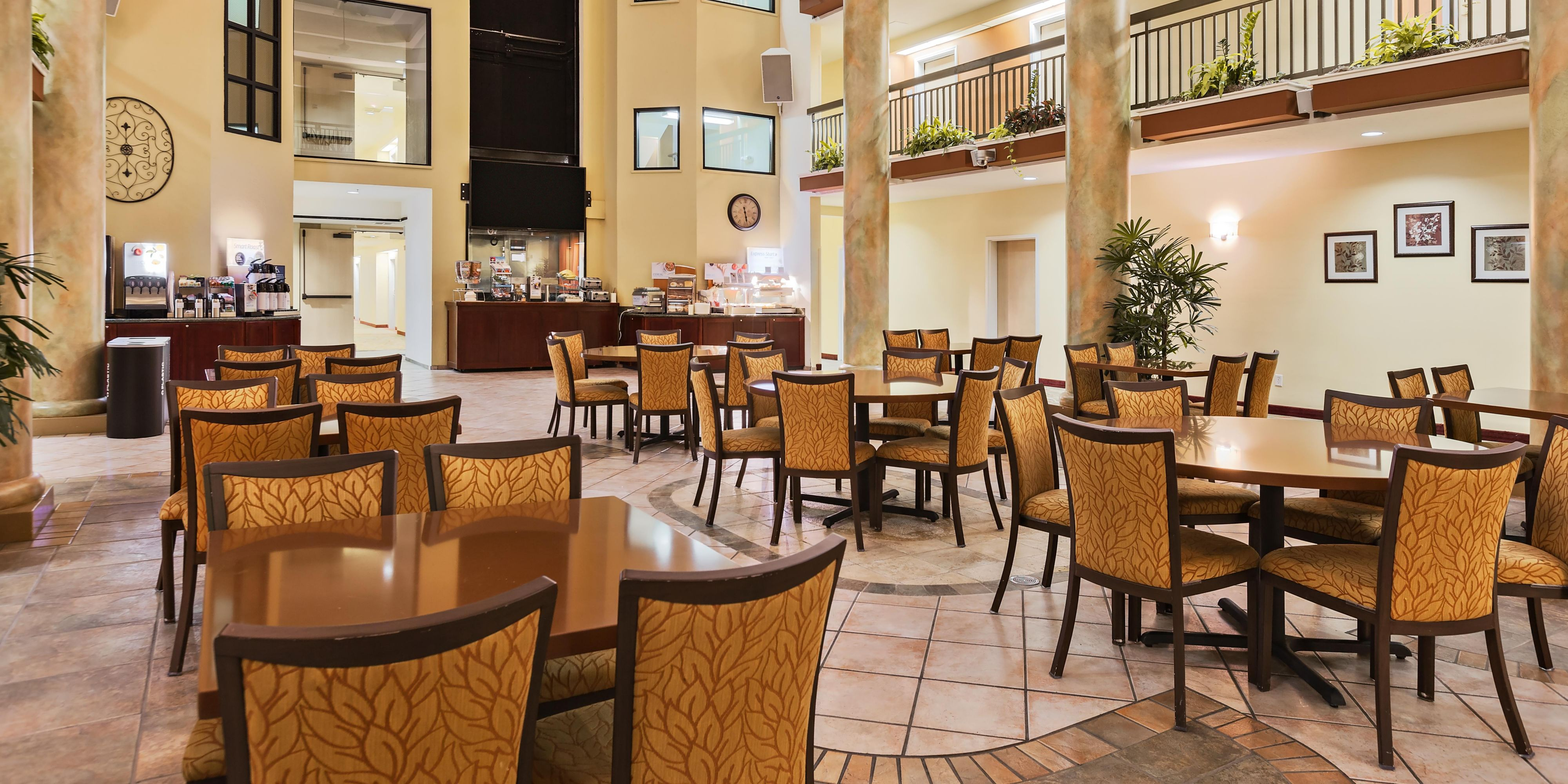 Holiday Inn Express & Suites San Jose-Morgan Hill Hotel by IHG