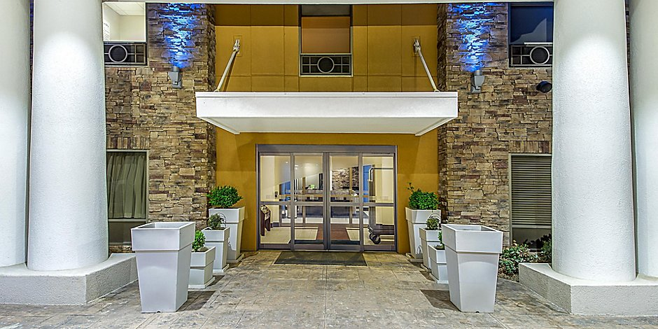 Holiday Inn Express & Suites Morristown Hotel by IHG