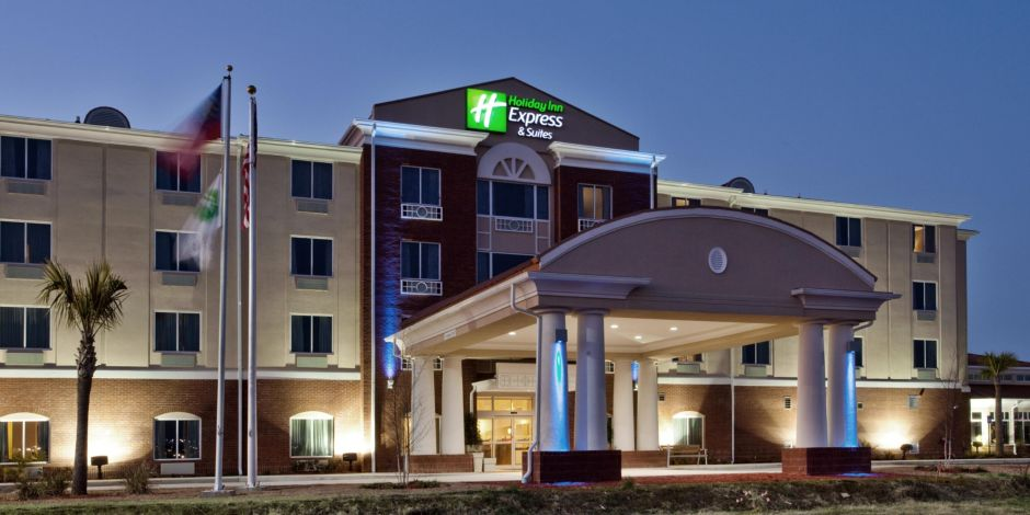 Holiday Inn Express Suites Moultrie Ga Exterior Feature