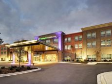 Holiday Inn Express & Suites Charleston NE Mt Pleasant US17 in North Charleston, South Carolina