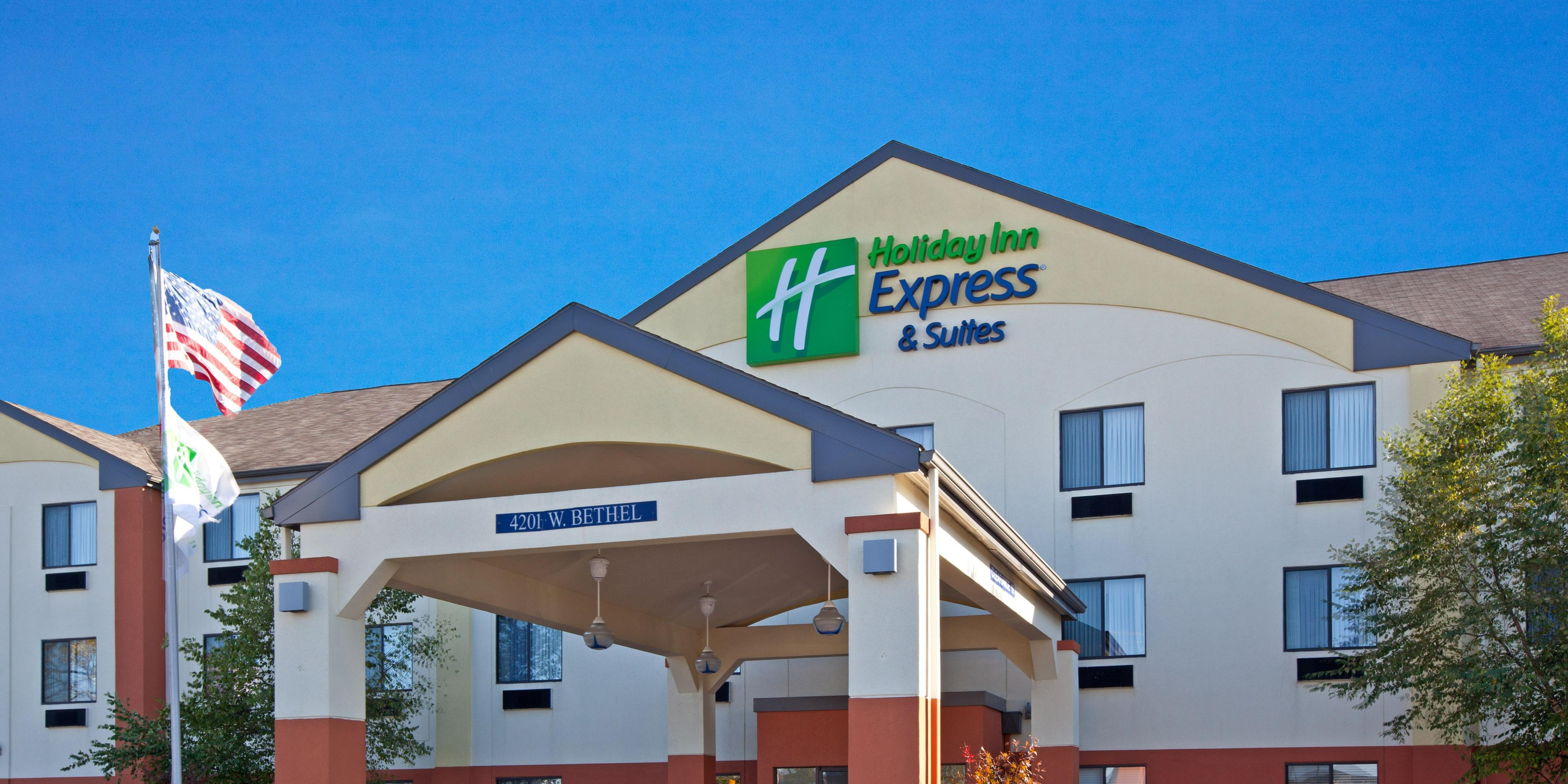 Holiday Inn Express And Suites Muncie 2532022446 2x1