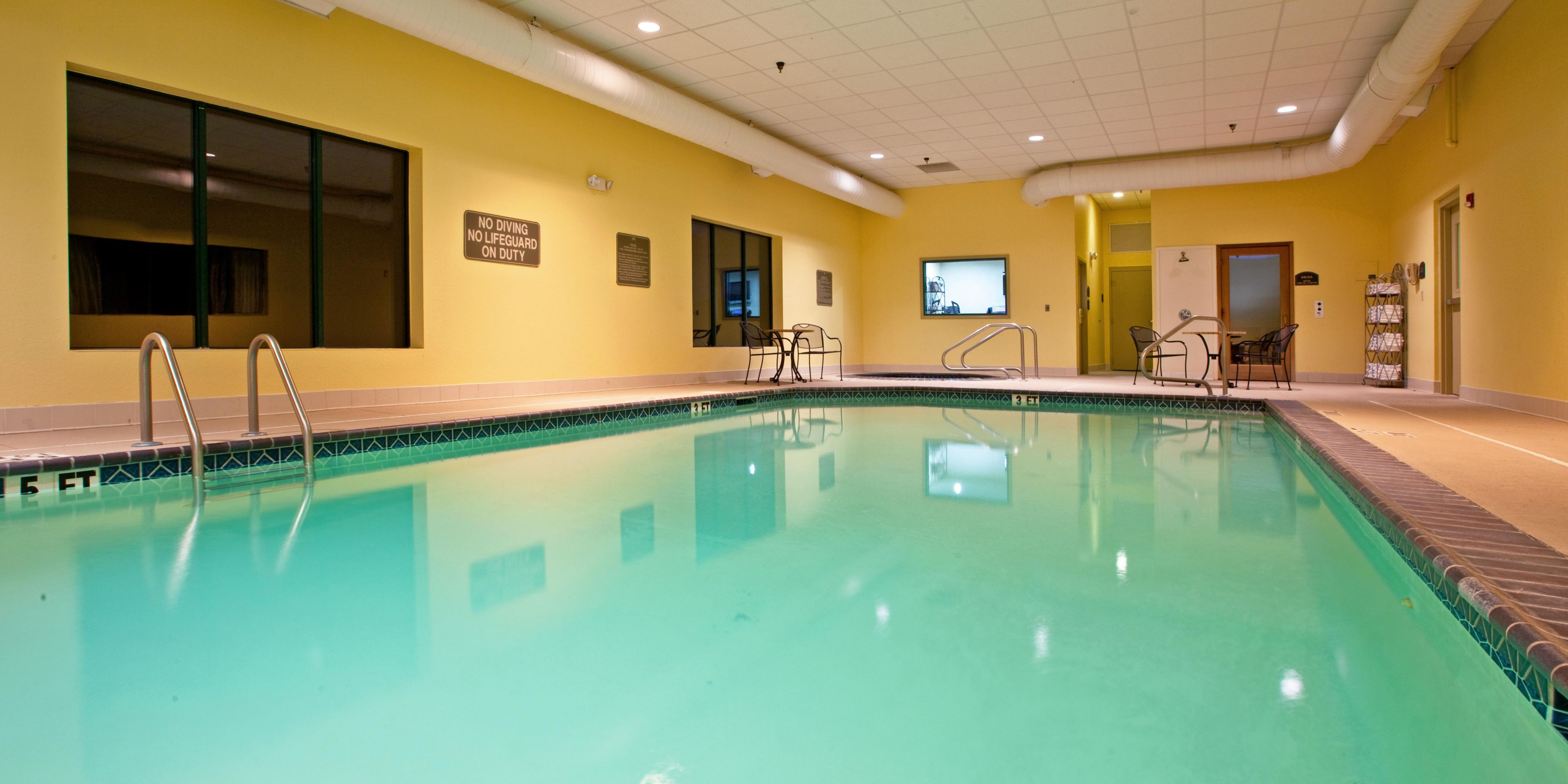 Holiday Inn Express And Suites Murray 4296307822 2x1