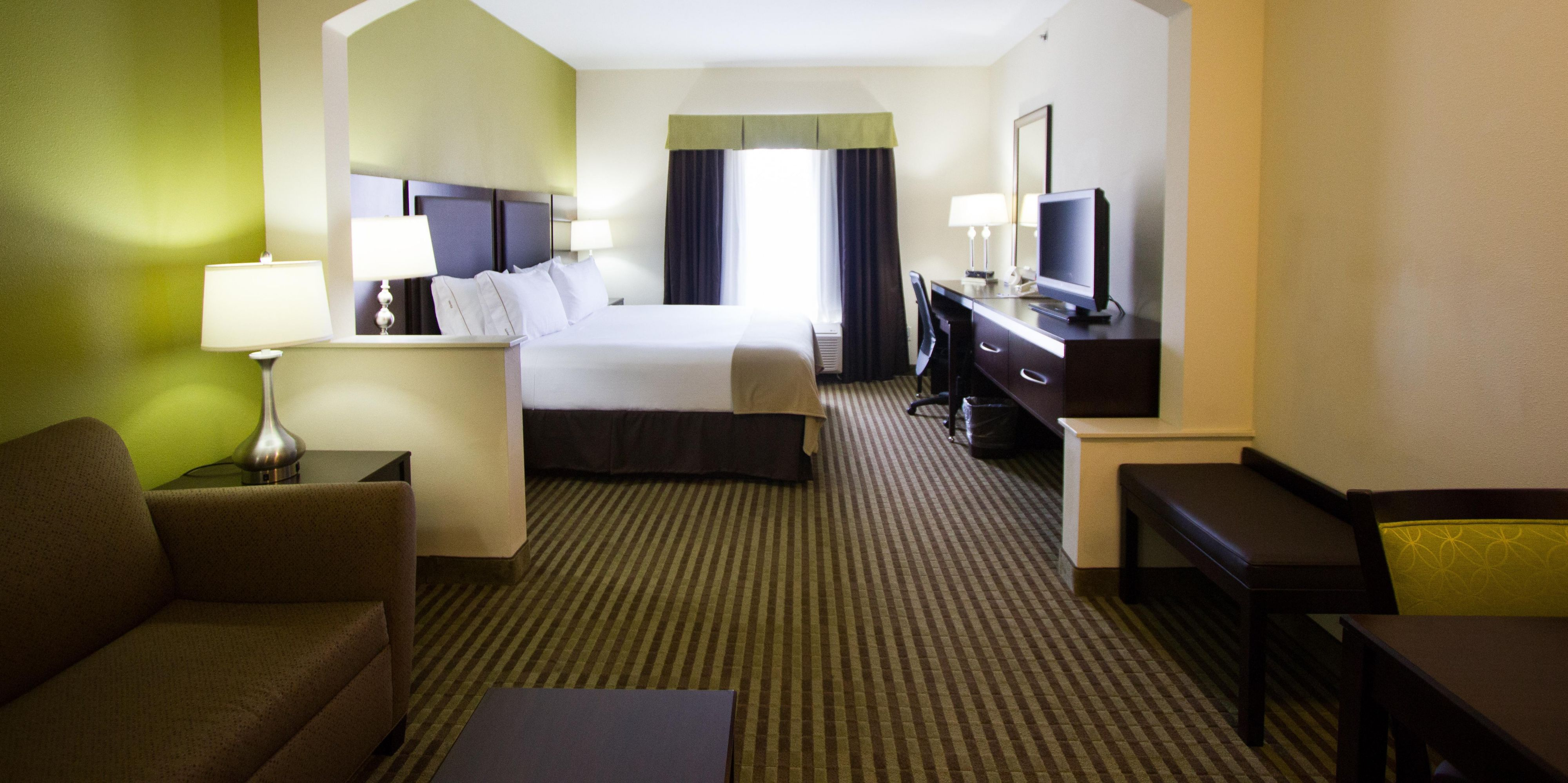 Holiday Inn Express And Suites Nacogdoches 2532317923 2x1