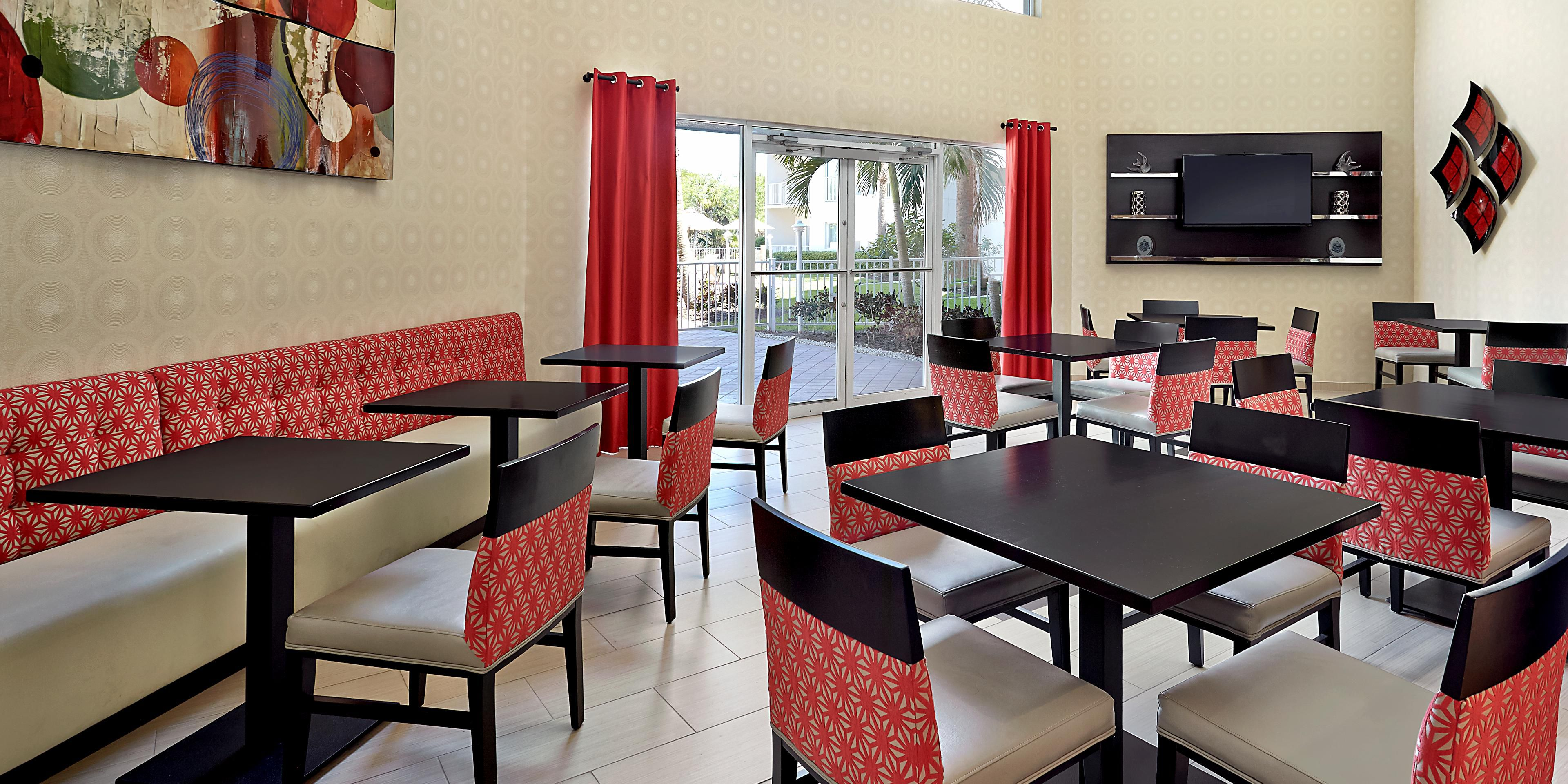 5th avenue hotel in naples, florida - holiday inn express & suites