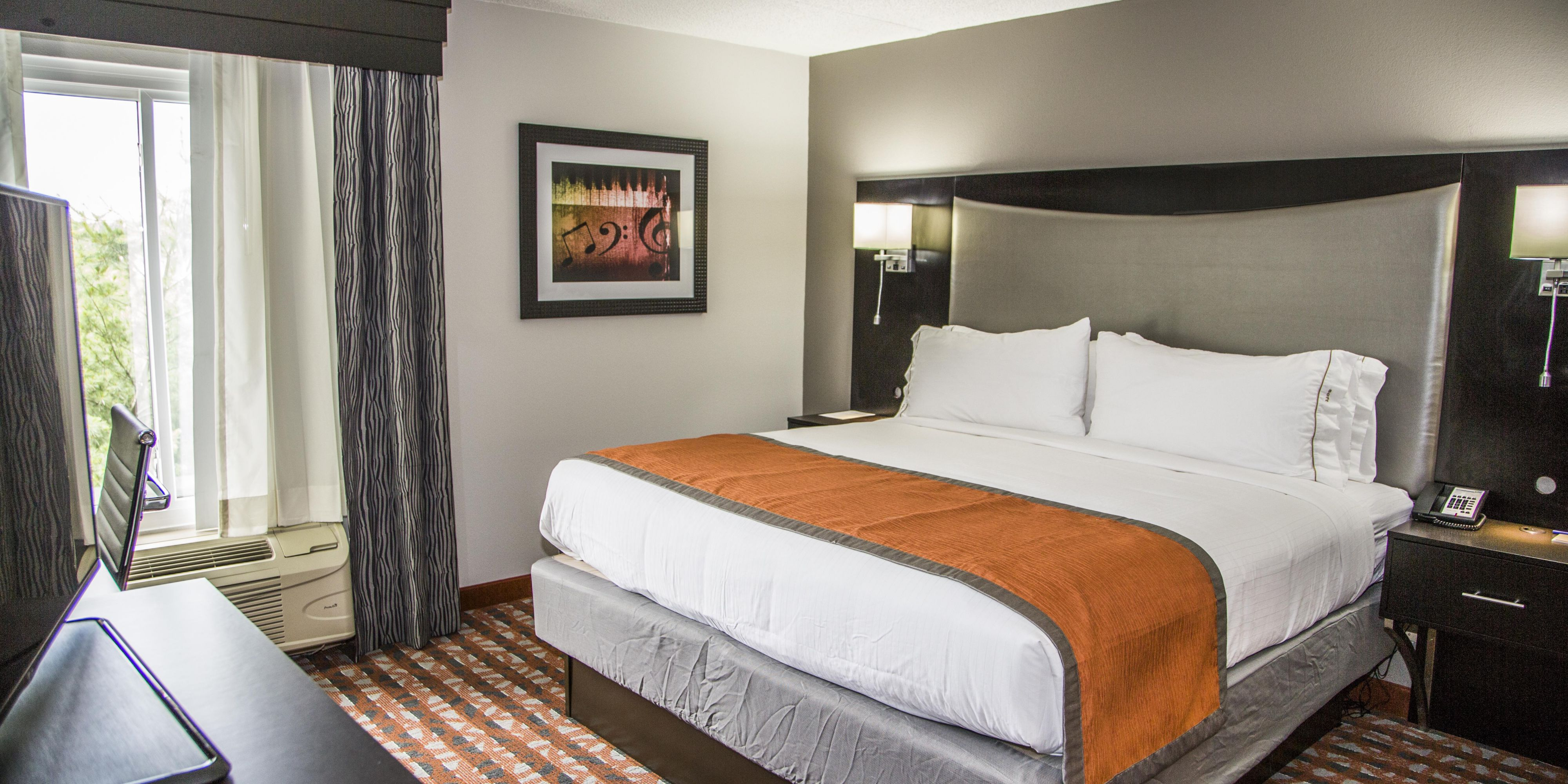 Holiday Inn Express And Suites Nashville 4140260151 2x1