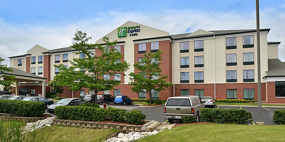 Holiday Inn Express Suites Milwaukee New Berlin Hotel By Ihg