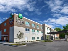 Holiday Inn Express & Suites New Castle in Butler, Pennsylvania