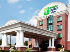 Holiday Inn Express & Suites Wilmington-Newark in Carneys Point, New Jersey