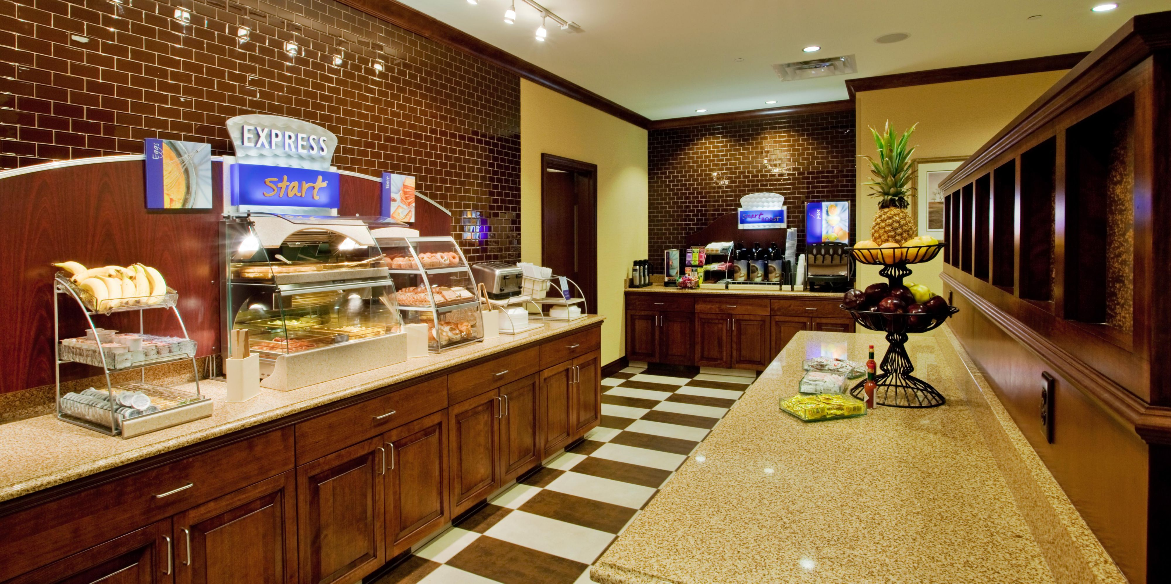Holiday Inn Express & Suites Wilmington Newark Hotel by IHG