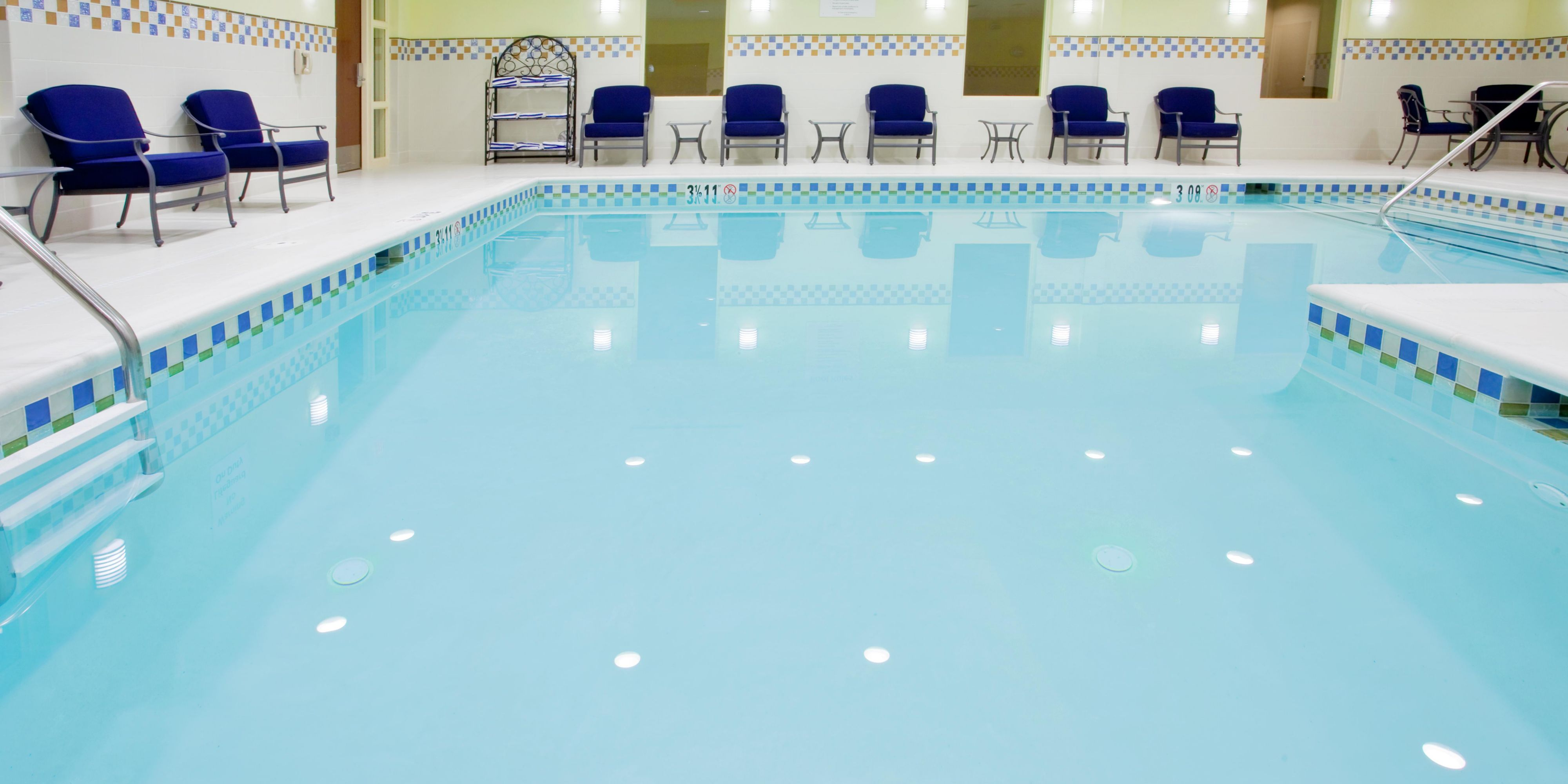 Holiday Inn Express  Suites WilmingtonNewark Hotel By IHG - Us zip code newark