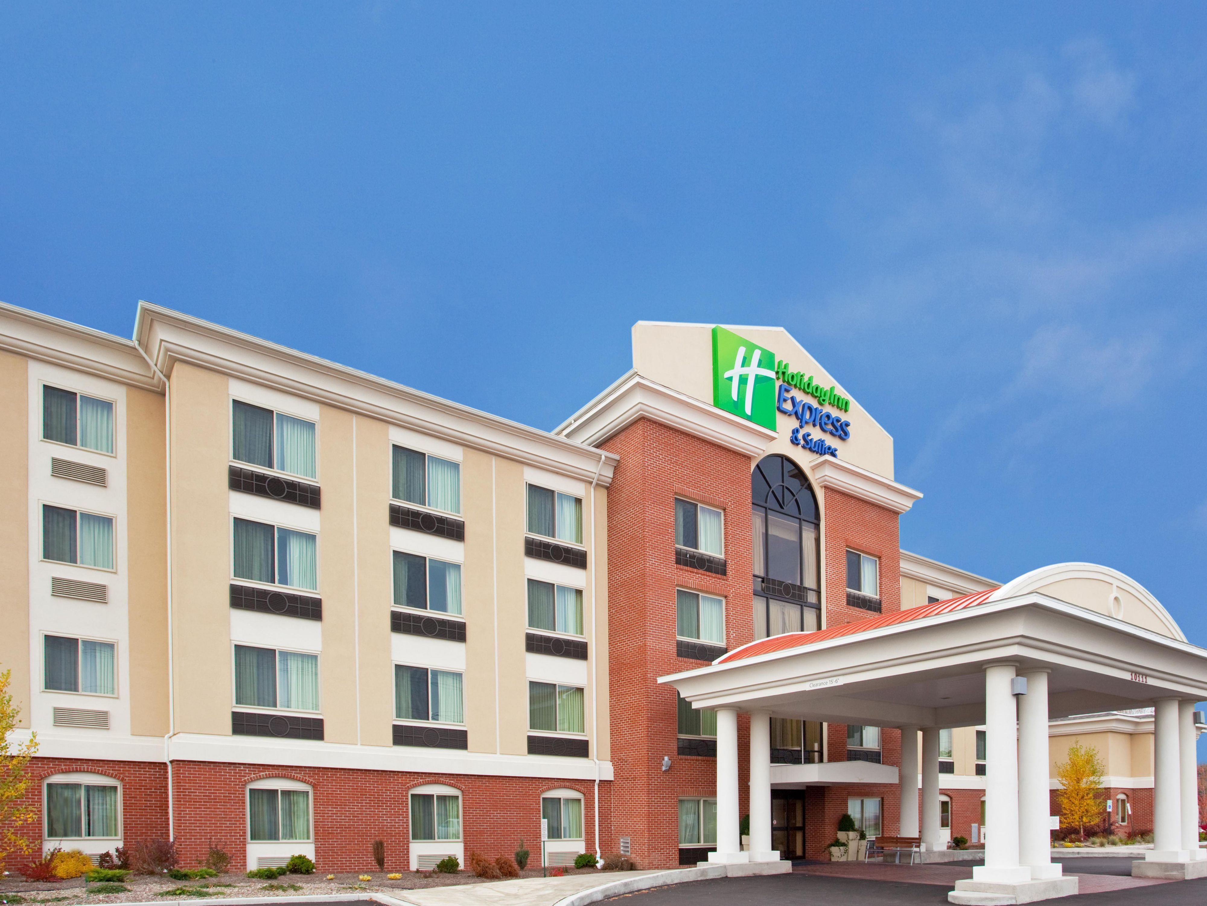 Holiday Inn Express we are 5 min away from Fashion Outlets!