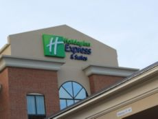 Holiday Inn Express & Suites Niles in Mishawaka, Indiana