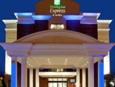 Holiday Inn Express & Suites Norfolk Airport in Hampton, Virginia