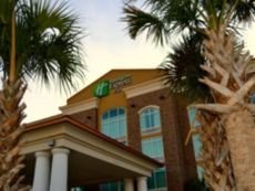 Holiday Inn Express & Suites Charleston Arpt-Conv Ctr Area in Summerville, South Carolina