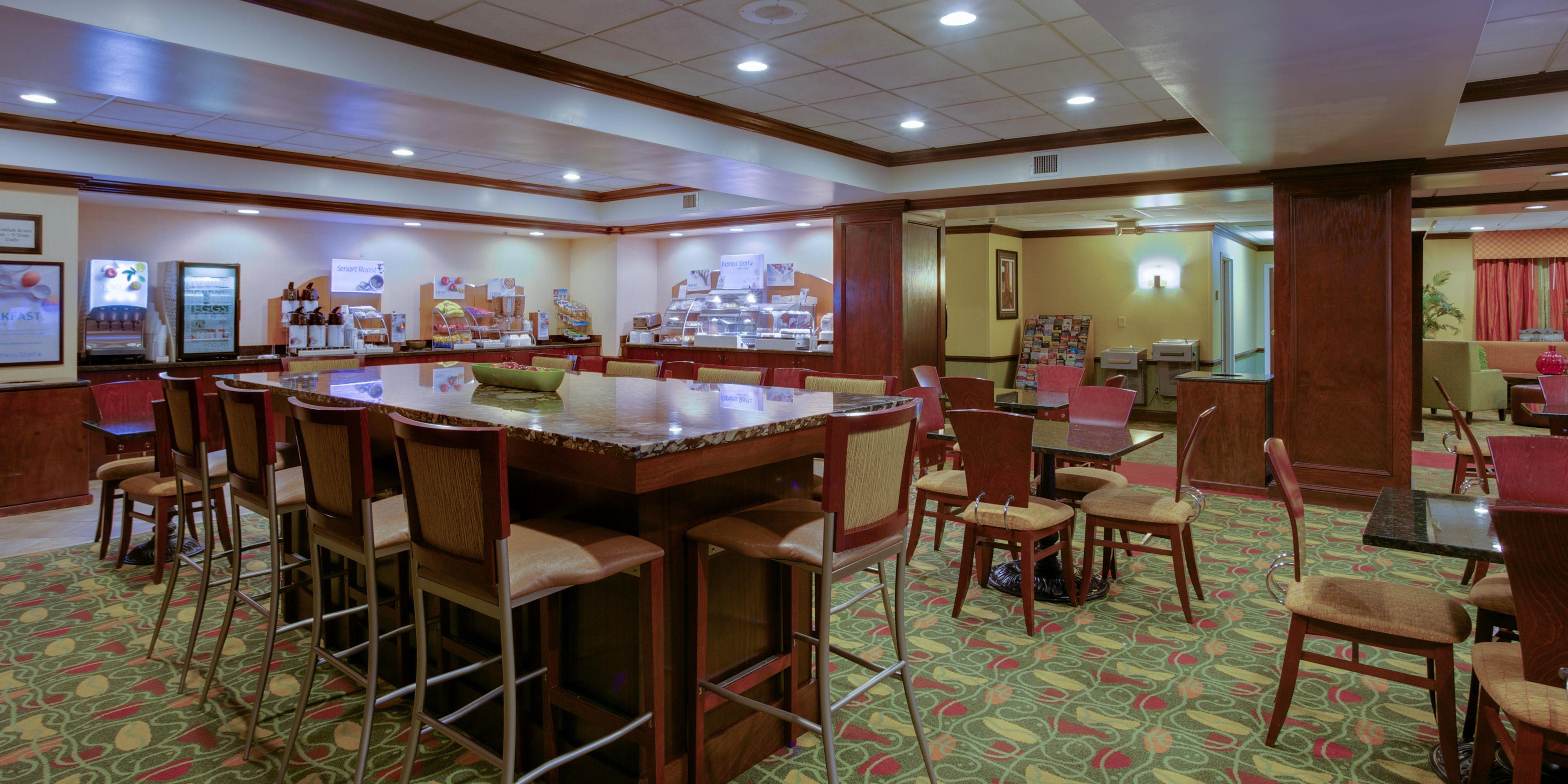Holiday Inn Express & Suites Charleston-Ashley Phosphate Hotel by IHG