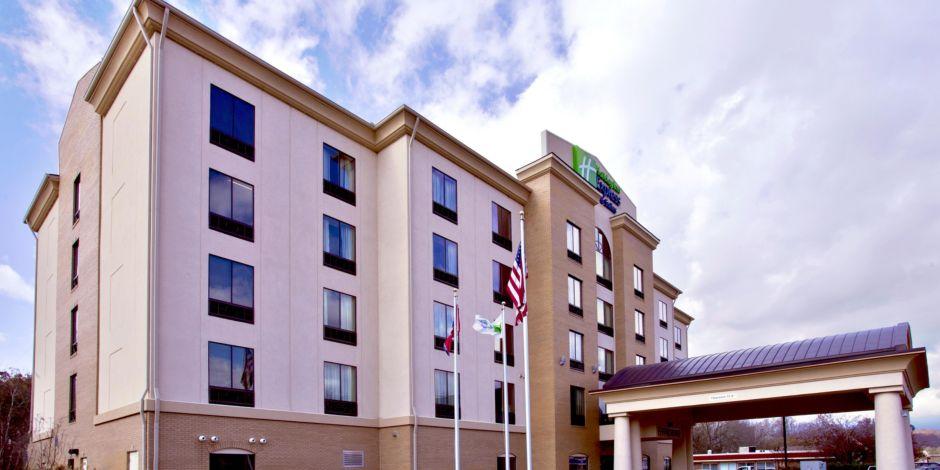 Welcome To The Holiday Inn Oak Ridge