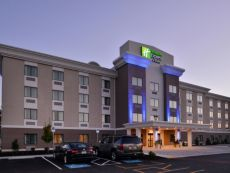 Holiday Inn Express & Suites West Ocean City in Delmar, Maryland