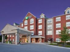 Holiday Inn Express & Suites St. Louis West-O'Fallon in Warrenton, Missouri