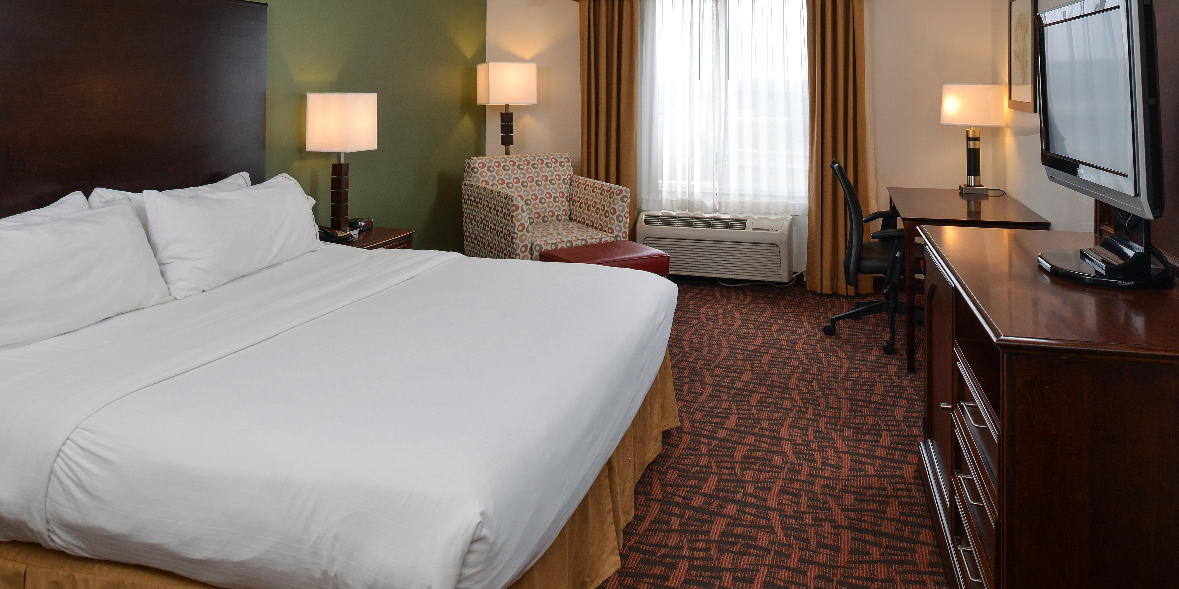 Lighting Stores Omaha >> Holiday Inn Express Suites Cherry Hills Hotel By Ihg