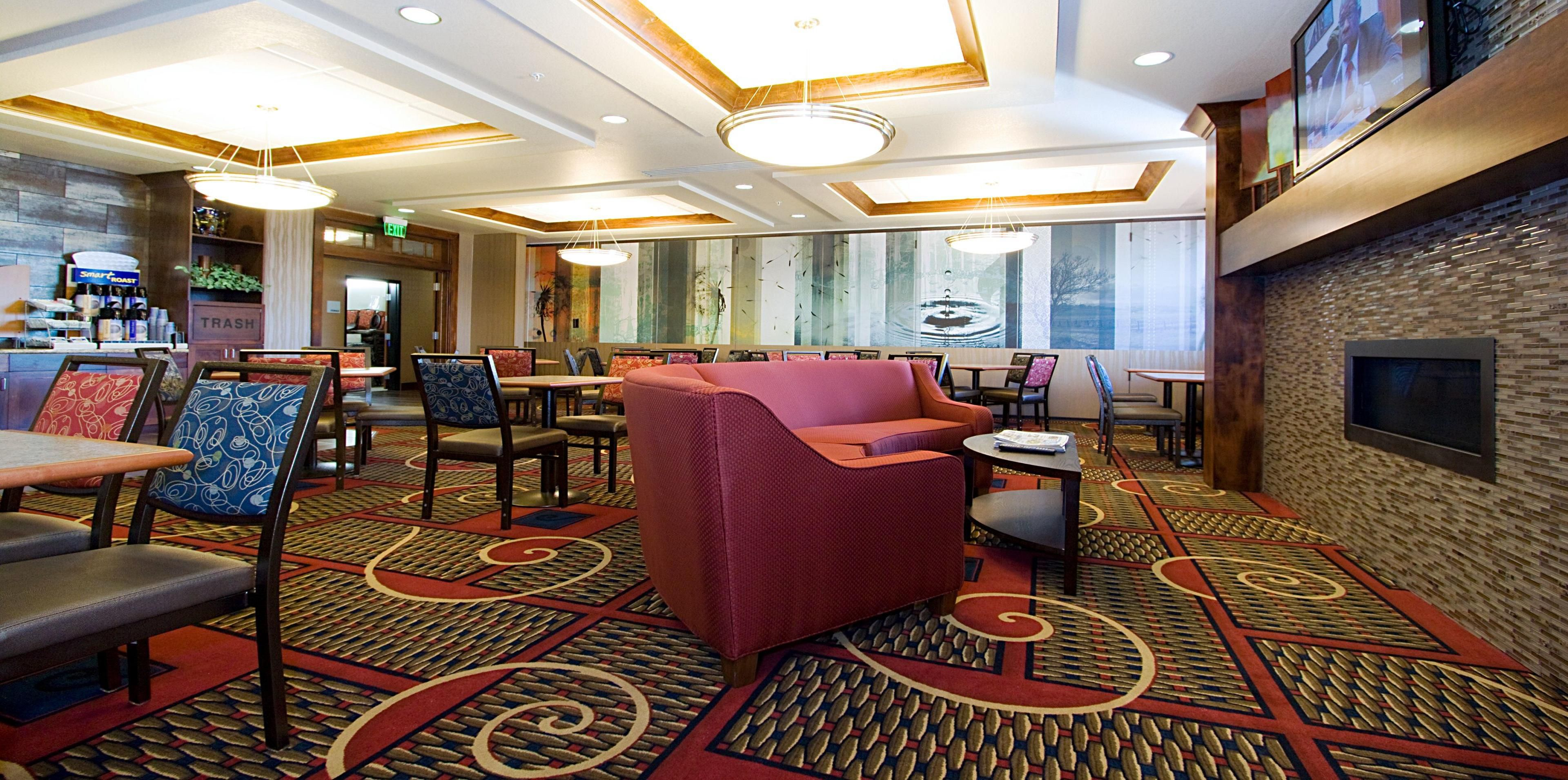 Holiday Inn Express And Suites Orem 3780762215 2x1