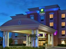 Holiday Inn Express & Suites Orlando-Ocoee East in Clermont, Florida
