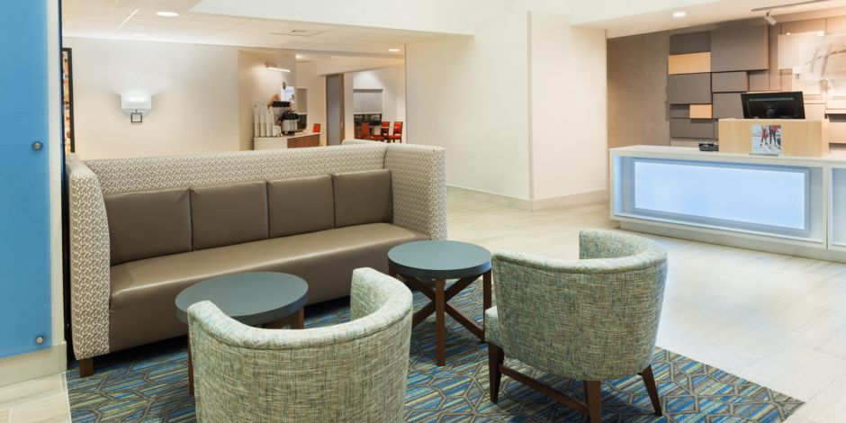 holiday inn express suites nearest universal orlando hotel by ihg