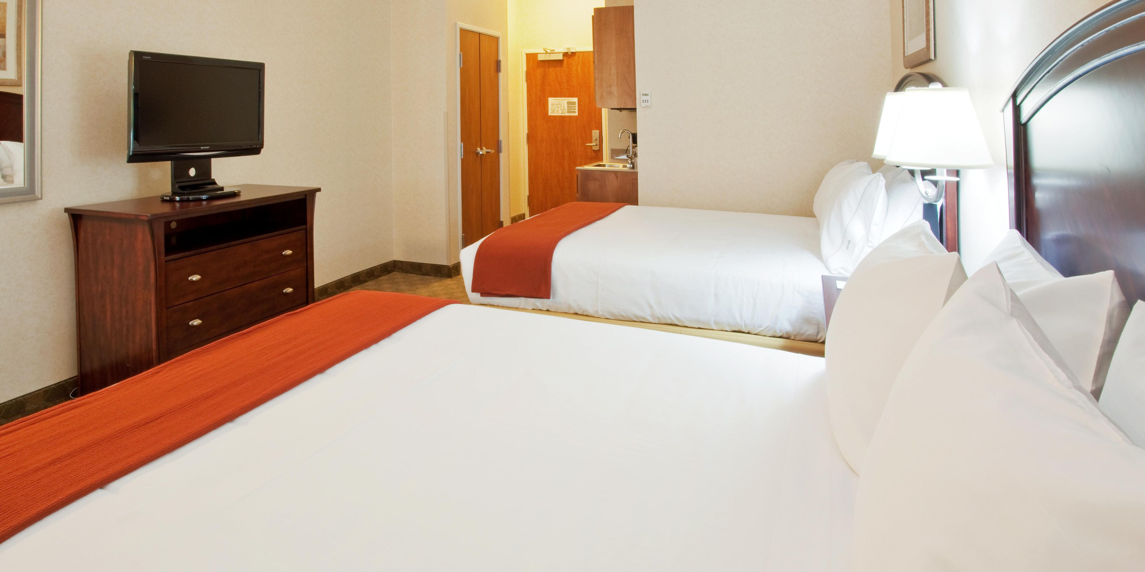 Holiday Inn Express And Suites Oroville 2532190871 2x1
