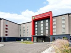 Holiday Inn Express & Suites Oshawa Downtown - Toronto Area in Bowmanville, Ontario