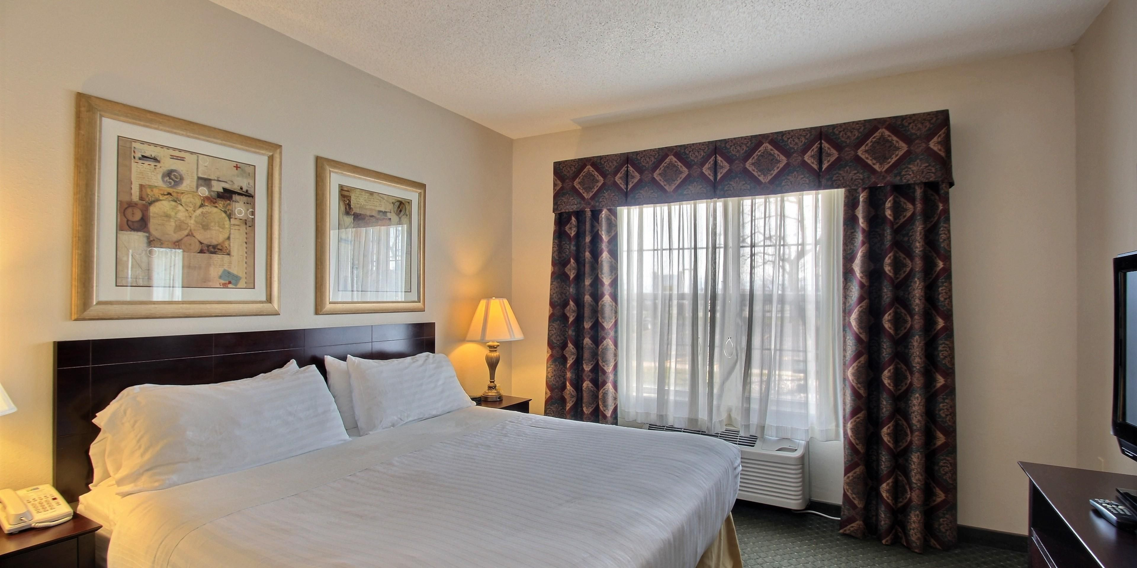 Holiday Inn Express And Suites Oshkosh 4964572297 2x1