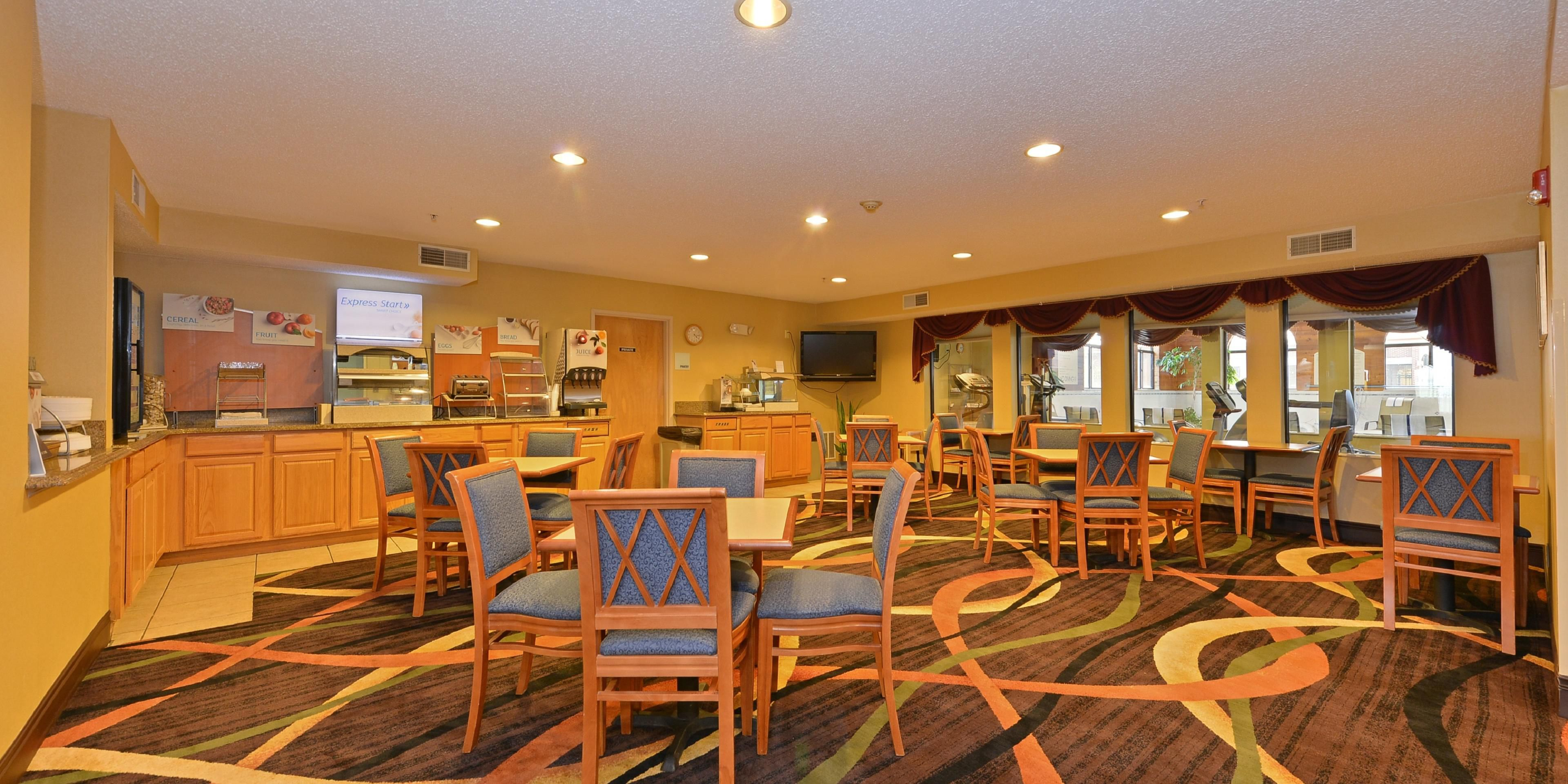 Holiday Inn Express & Suites Chicago Oswego Hotel by IHG