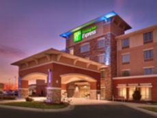 Holiday Inn Express & Suites Overland Park in Lenexa, Kansas