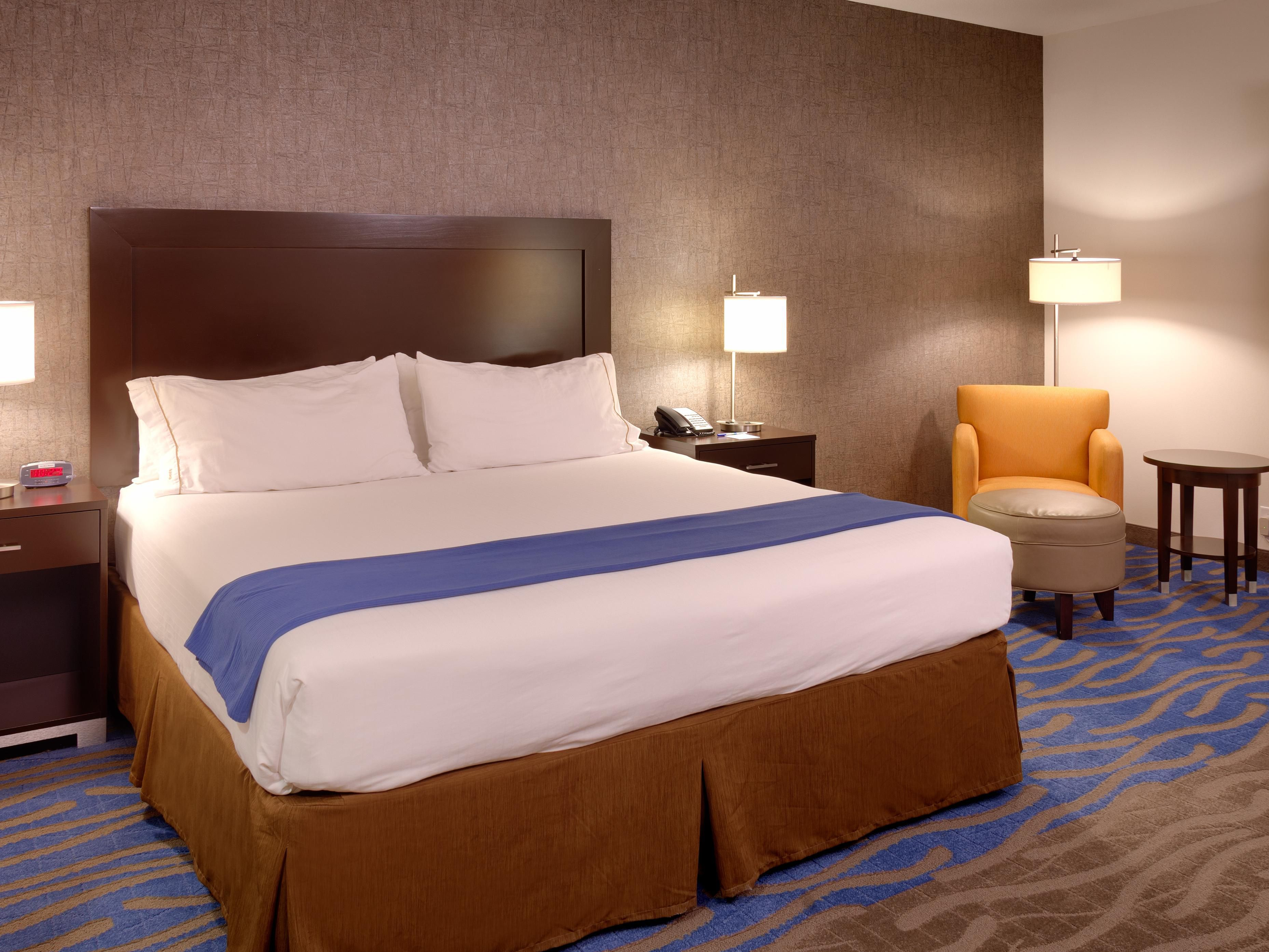 Executive King Room-Holiday Inn Express & Suites, Overland Park,KS