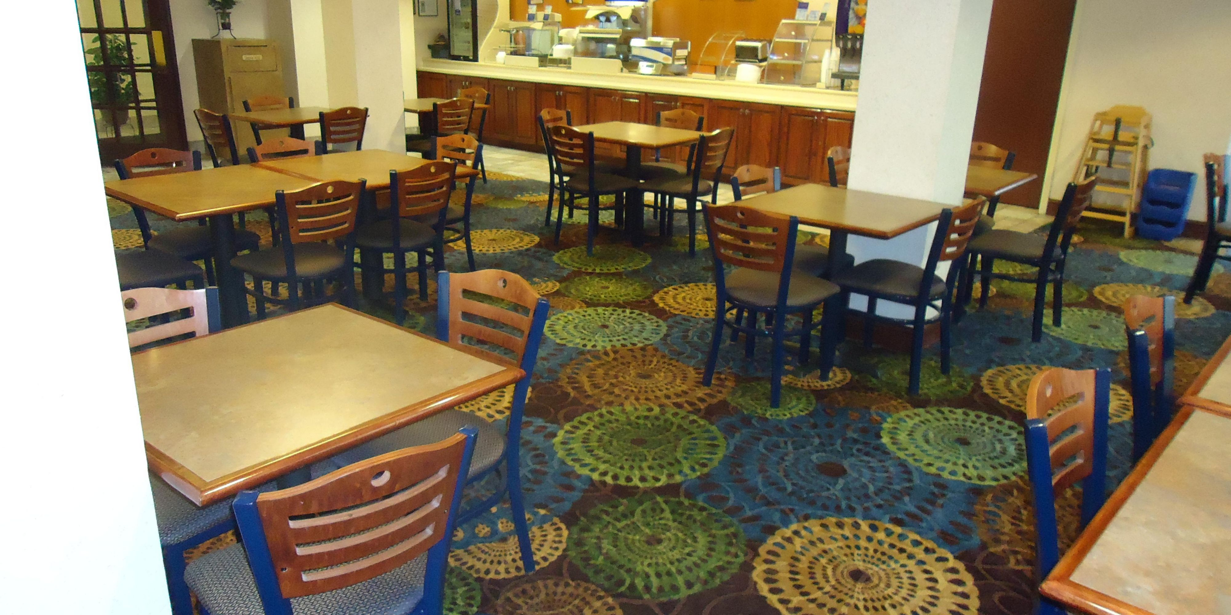 Holiday Inn Express And Suites Oxford 2532221416 2x1