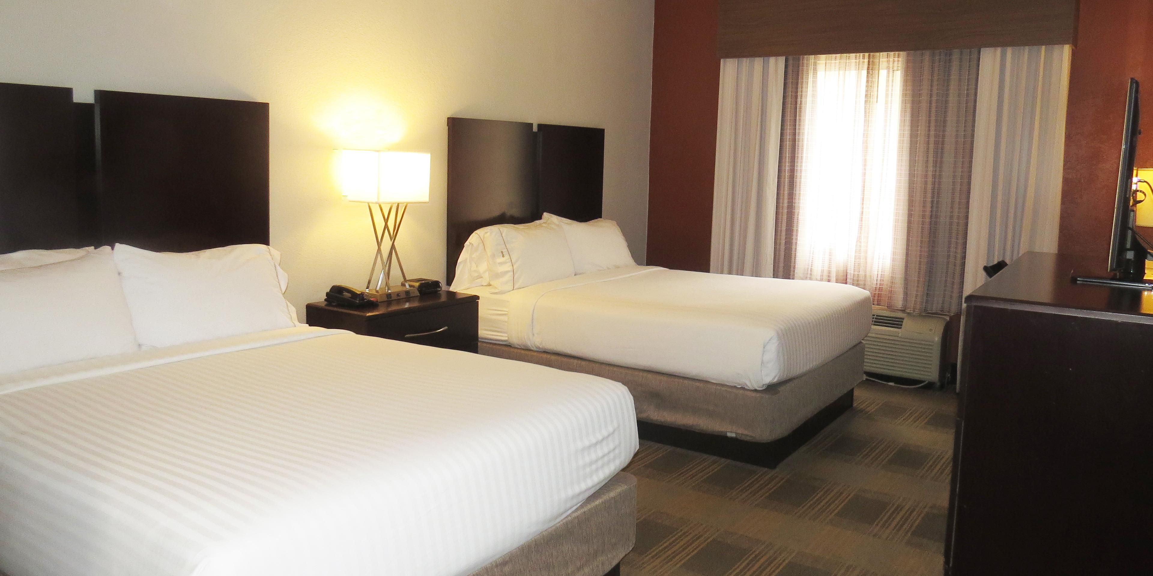 Holiday Inn Express And Suites Oxford 5027847071 2x1