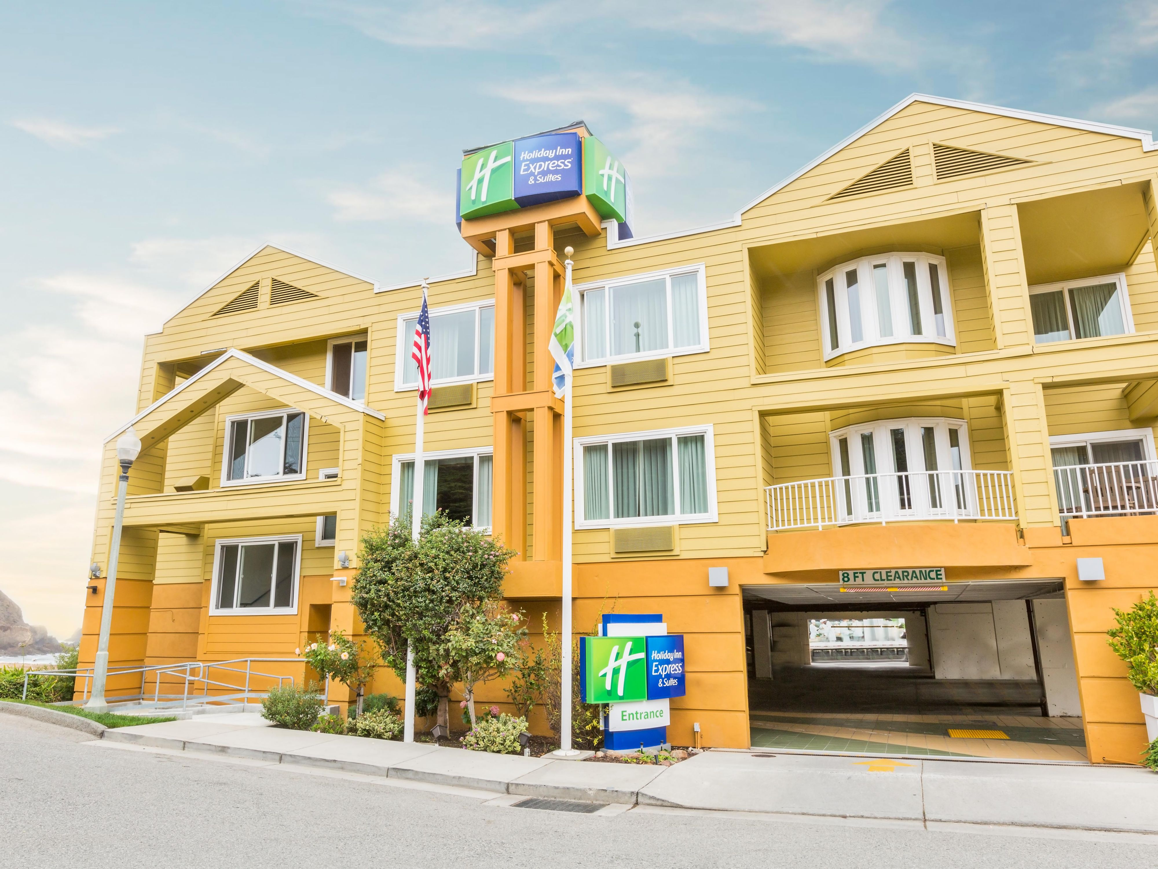 Holiday Inn Express and Suites Pacifica