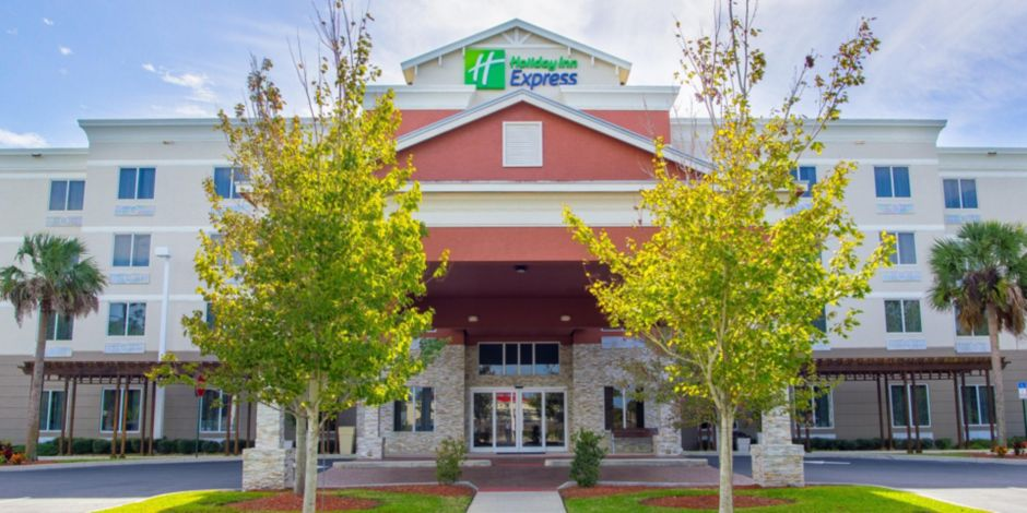 Holiday Inn Express & Suites Palm Bay Hotel by IHG