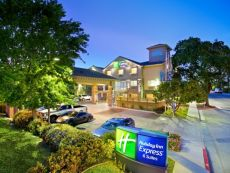 Holiday Inn Express & Suites Paso Robles in San Luis Obispo, California