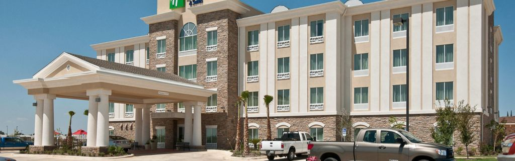 Hotel Exterior View From Right
