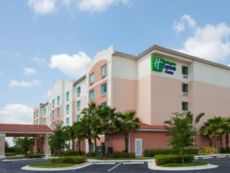 Holiday Inn Express & Suites Pembroke Pines-Sheridan St in Plantation, Florida