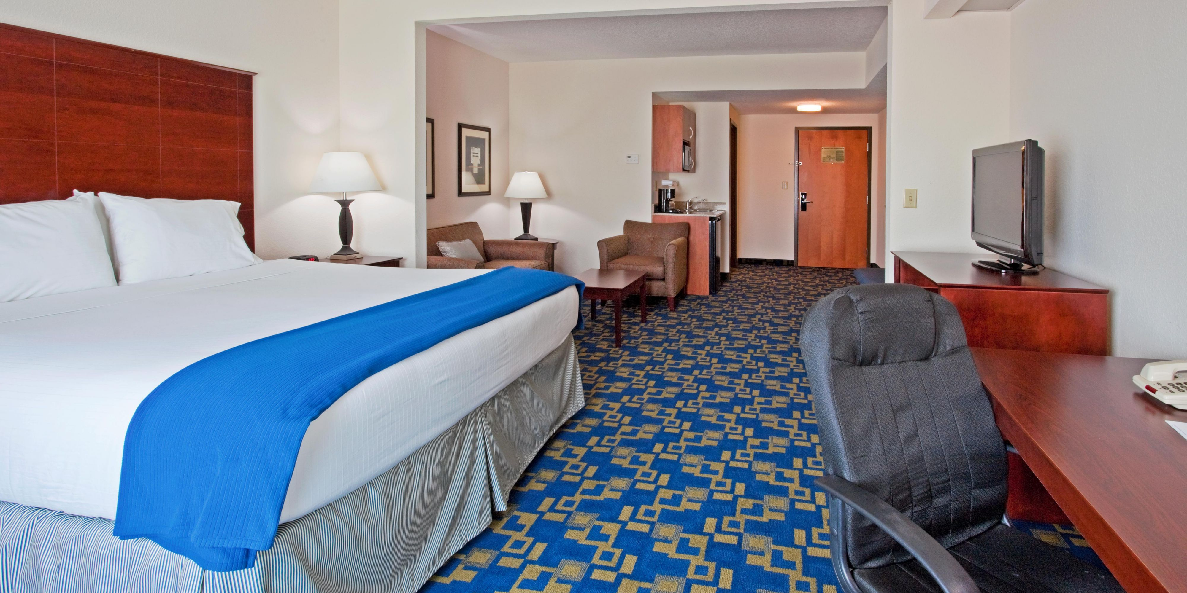 Holiday Inn Express And Suites Pembroke Pines 2531768381