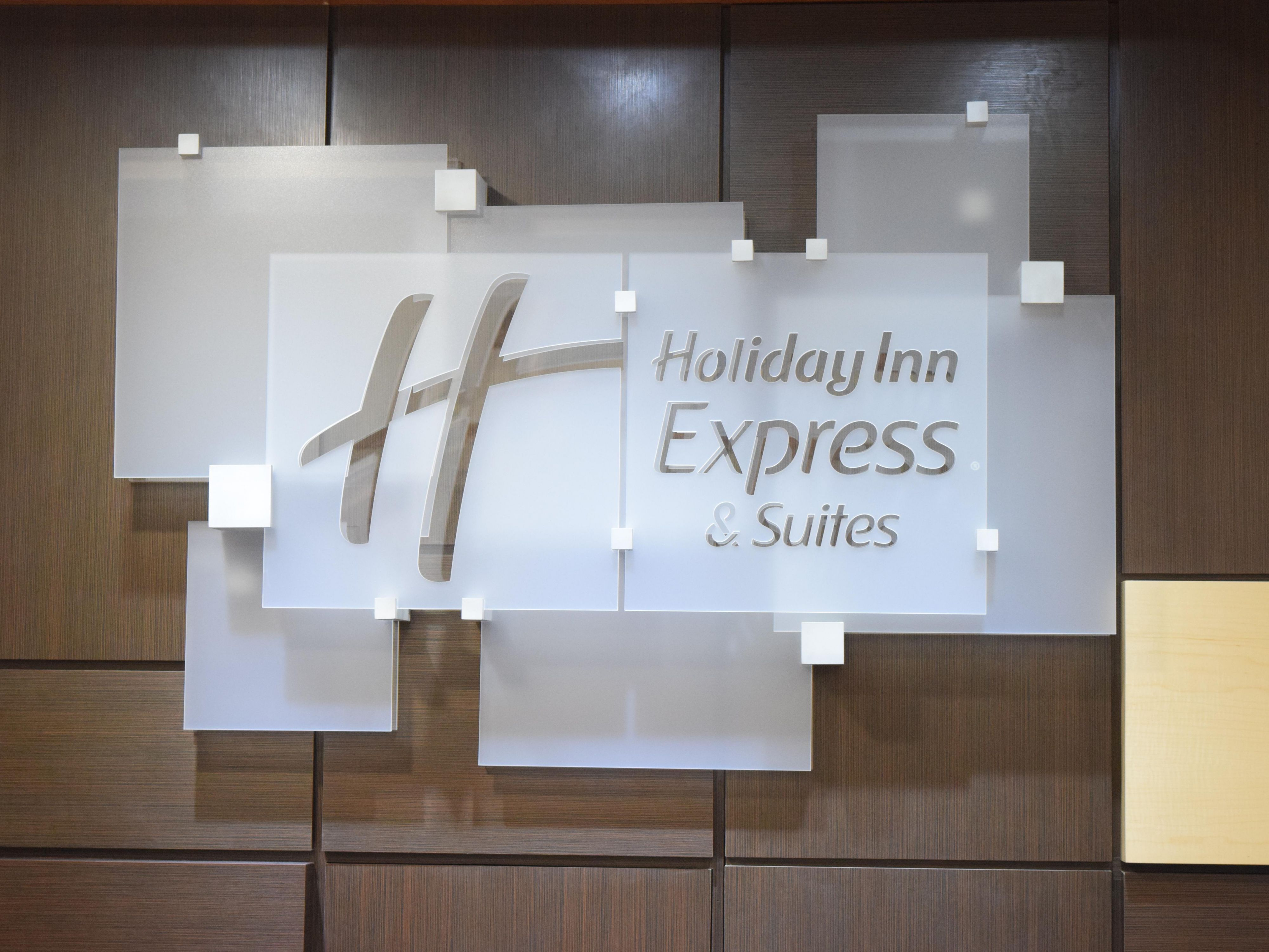 Stay Smart in Pensacola - Holiday Inn Express & Suites