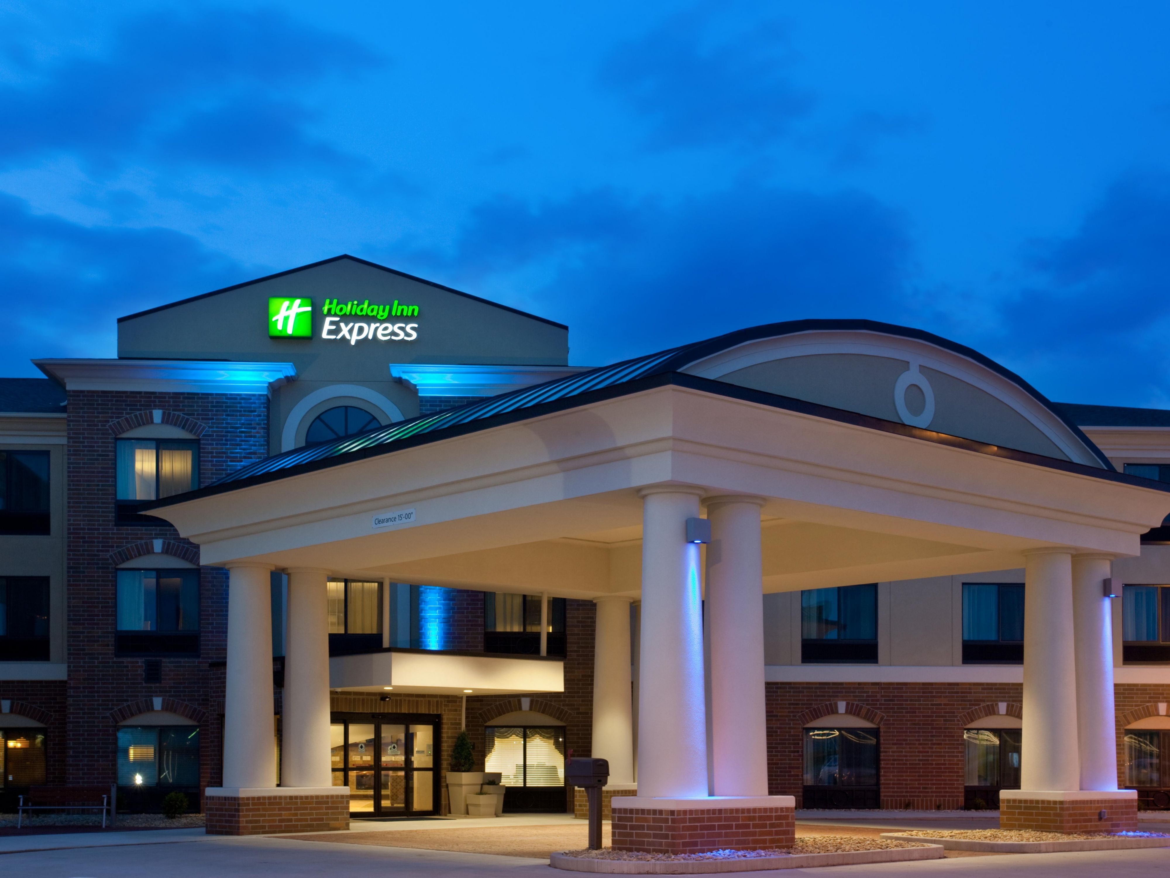 Holiday Inn Express Amp Suites Peru Lasalle Area Hotel By Ihg