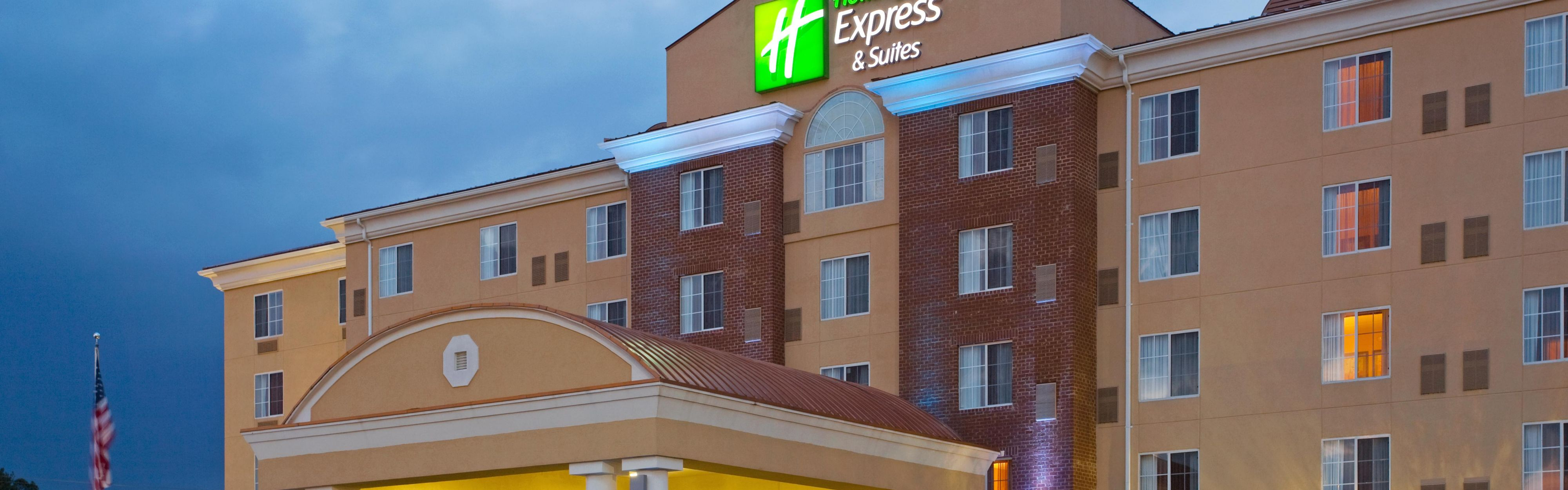 Perfect Hotel Exterior With Hotels Near Petersburg Va