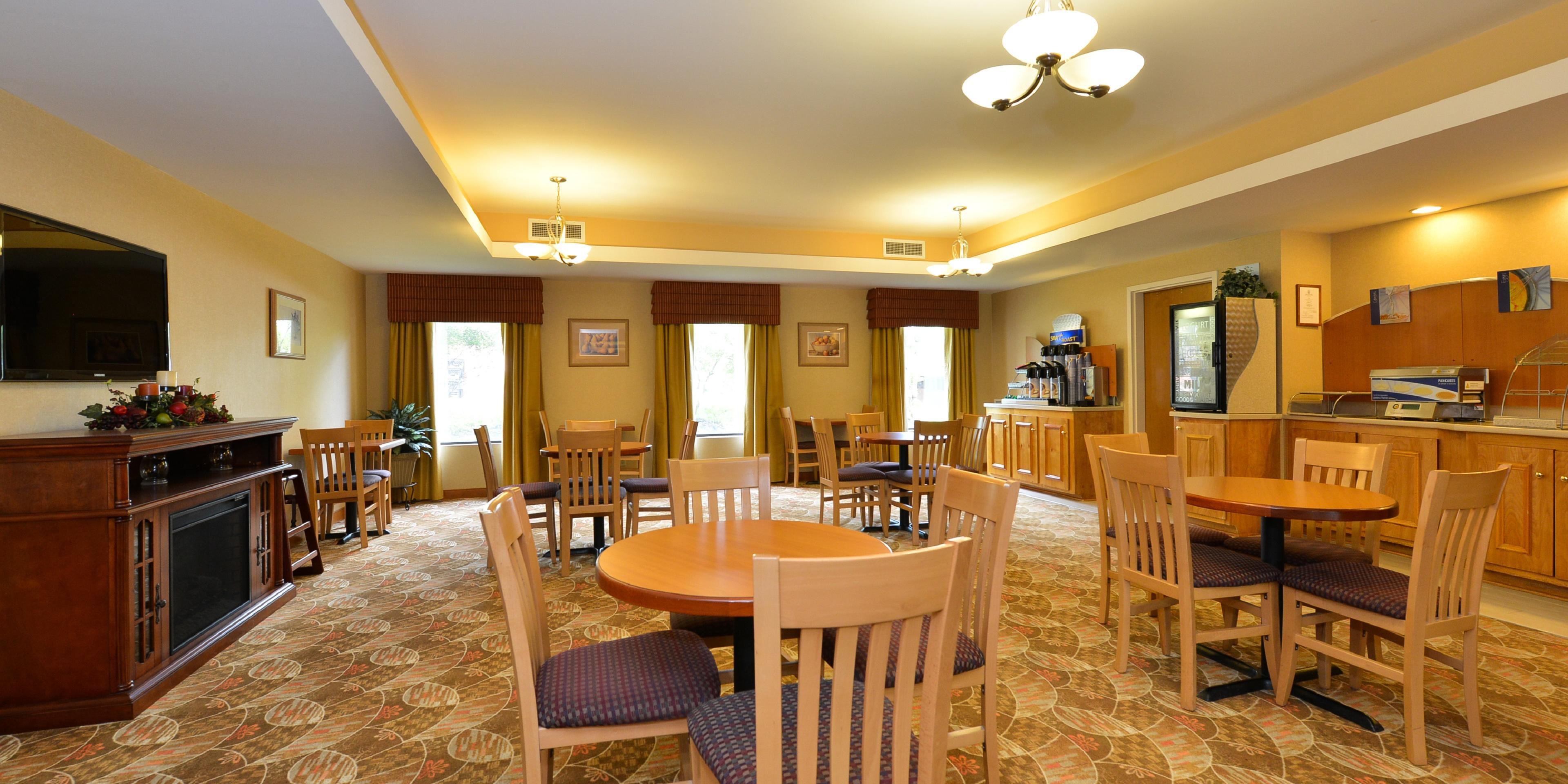 holiday inn express suites petersburg dinwid hotel by ihg