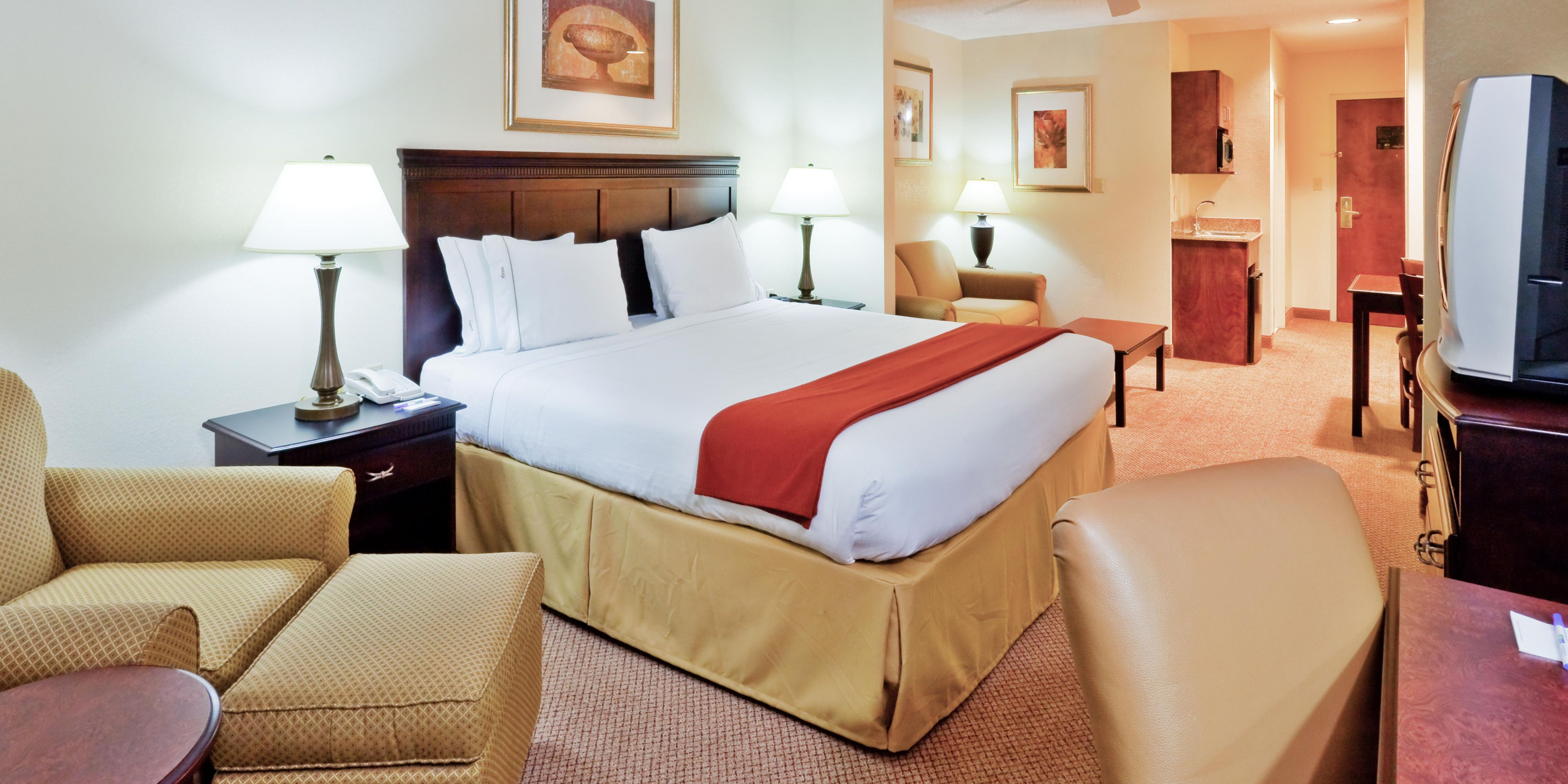 Holiday Inn Express And Suites Philadelphia 2533192203 2x1