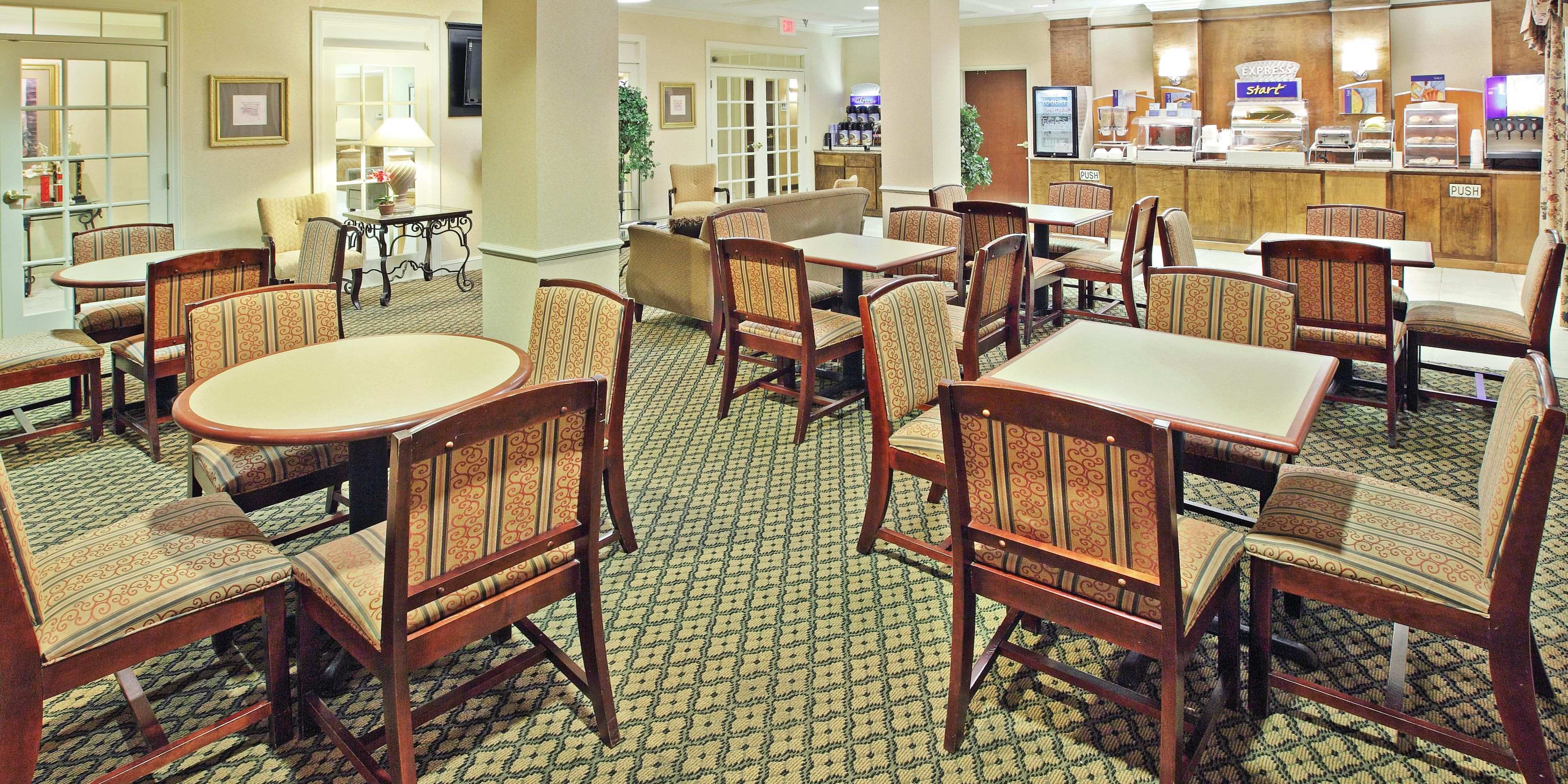 Holiday Inn Express And Suites Pine Bluff 2532587516