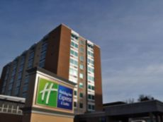 Holiday Inn Express & Suites Pittsburgh West - Green Tree in Bridgeville, Pennsylvania