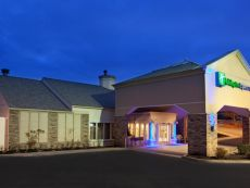 Holiday Inn Express & Suites Pittsburgh Airport in Monaca, Pennsylvania