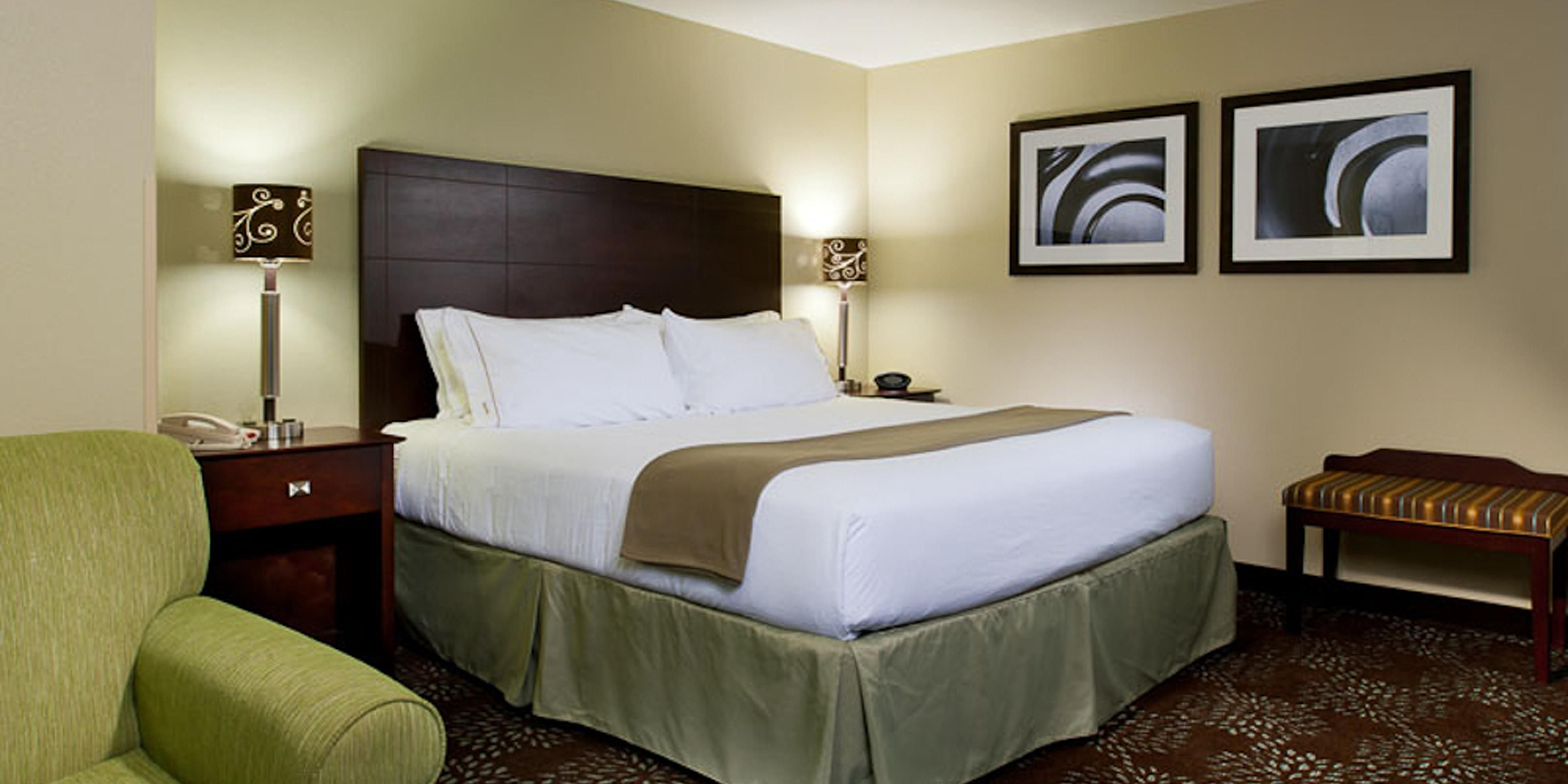Holiday Inn Express & Suites Pittsburgh West Green Tree Hotel by IHG