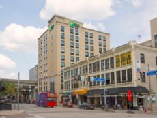 Holiday Inn Express & Suites Pittsburgh North Shore in Pittsburgh, Pennsylvania